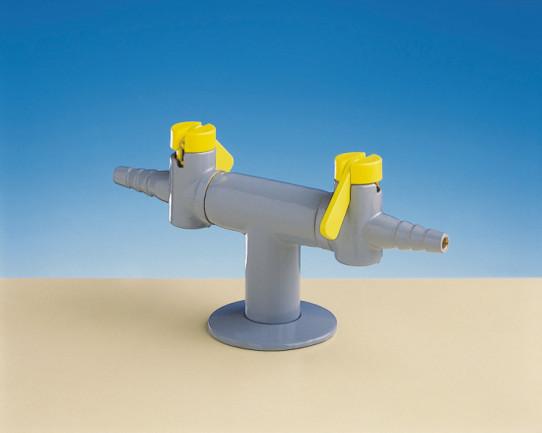Columna con dos grifos a 180º accionamiento palanca para gas combustible, con válvulas antiretorno