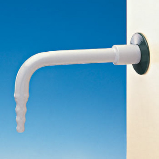 Wall mounted outlet for water, removable nozzle